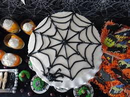 halloween spider web cake worth pinning happy haunting halloween party tutorials