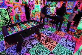 blacklight bedroom psychedelic blacklight game room blacklights in the home