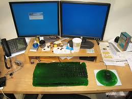 Office Desk Prank 25 Brilliant Prank Ideas For April Fools Day Bored Panda