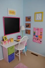 Diy Childrens Desk Diy And Free To Me Desk Bedroom Pinterest Desks Bedrooms
