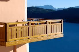 balkone holz holz balkone für genießer