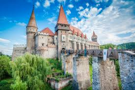 Historical Castles by Top 10 Historical Travel Destinations Toptenz Net