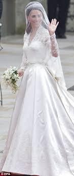 princess wedding dresses uk royal wedding kate middleton s wedding dress tribute to grace