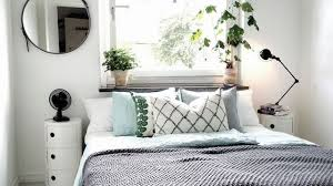 chambre adulte petit espace aménagement chambre astuces et idées déco chambres