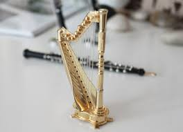 miniature musical note etc miniature musical instruments gift are