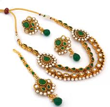 necklace with stone images Green stone and pearl studded ad necklace set with mangtika jpg