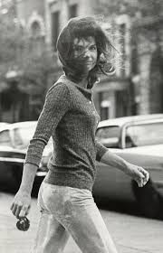 Kennedy Jacqueline The Story Behind The Most Famous Paparazzi Photo Time Com