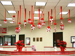 Door Decoration For New Year by Door Deco U0026 Office Decoration For Christmas Pictures Full Size