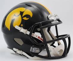 amazon com ncaa iowa hawkeyes speed mini helmet sports fan