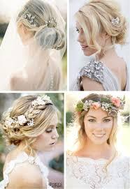 coiffure mariage boheme cheveux ornés de bijoux ou encore de fleurs pour un look très