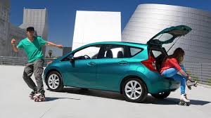 nissan versa vs hyundai accent come see the 2016 nissan versa note and sedan in ny