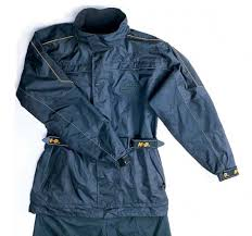 motorcycle rain gear 10 rainsuits for motorcyclists motorcycle cruiser