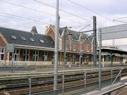 bureau de change gare de tours beauvais airport aeroport de beauvais tille airports of