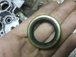 is this crank seal backward see pics 1999 rm125 suzuki 2