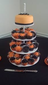 Halloween Cupcakes Cakes by 12 Best Fall Wedding Cakes Images On Pinterest Cupcake Cakes