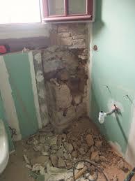 toilette sous escalier bâtiment nord la chaslerie