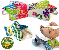30 minute neck pillows go back to in style sew4home