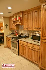 Beech Kitchen Cabinets by 11 Best Country Kitchens Images On Pinterest Kraftmaid Cabinets
