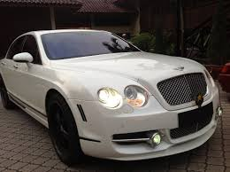 bentley night redorca malaysia wedding and event car rental white bentley