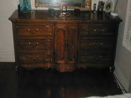 Thomasville Bedroom Furniture Discontinued Thomasville Bedroom Sets I Have A Thomasville Bedroom Set That