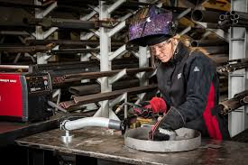 Cool Welding Pictures Lincoln Electric Jessi Combs Women U0027s Welding Gear Youtube