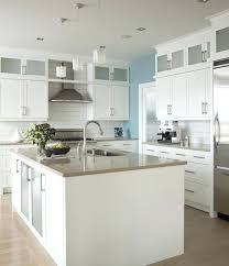 armoire de cuisine stratifié comptoir de cuisine blanc cuisine bois et blanc armoire de cuisine