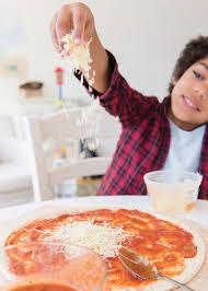 apprendre a faire la cuisine apprendre à cuisiner aux garçons châtelaine