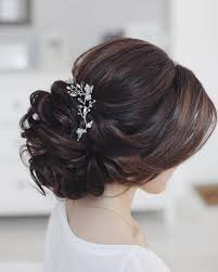 bridal hair bun 10 beautiful updo hairstyles for weddings classic hair