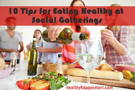 10 tips for eating healthy at a social gathering or holiday event