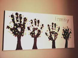 18 keepsakes made with family handprint ideas family trees
