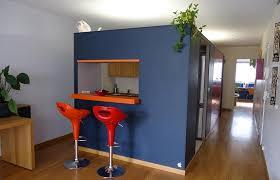 cuisine semi ouverte avec bar séjour cuisine à 3 pièces moderne avec terrasse