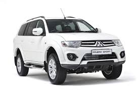 mitsubishi pajero sport modified next gen mitsubishi pajero sport rendered motoroids