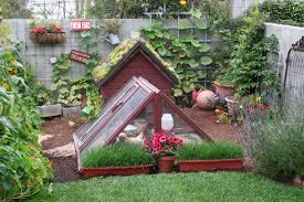 Backyard Homestead Book by Backyard Homesteading Book Idea Backyard Homesteading For