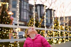 crocker park tree lighting 2017 seeing the magic of the holiday season through the eyes of our kids