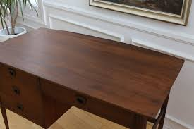 century modern writting office desk by bassett furniture co no 382