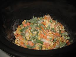 thanksgiving dinner in a crockpot smashed peas carrots