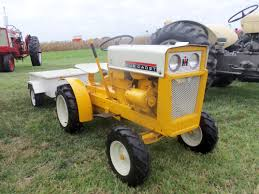 international cub cadet 70 lawn u0026 garden tractor with white wagon