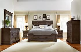 Decorating Your Your Small Home Design With Good Ideal King