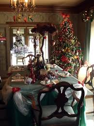 Decorating Historic Homes | ideas for decorating for christmas