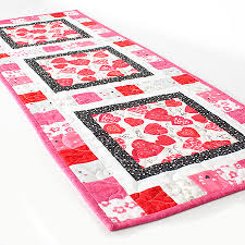 free quilt pattern huggable free table topper pattern