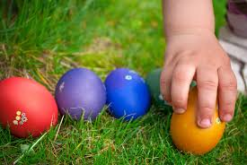 kids easter eggs 20 easter egg hunt ideas your kids will