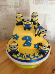 minions cake minions cake 6 square x 4 cupcakes minion