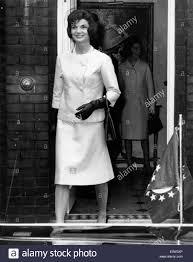 jaqueline kennedy first lady jacqueline kennedy leaving buckingham palace stock