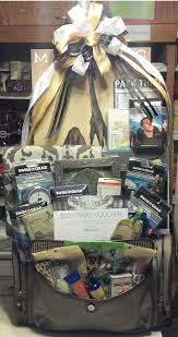 theme gifts best 25 travel gift baskets ideas on travel gift