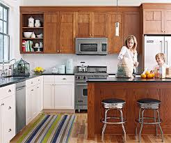 decorating with oak cabinets