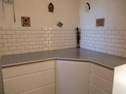 poser un plan de travail de cuisine peinture pour carrelage fraîche pose plan de travail cuisine