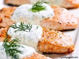 cuisiner pavé saumon recette de pavés de saumon sauce blanche citronnée recettes