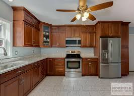 Full Overlay Kitchen Cabinets This Maple Kitchen By Echelon Features A Full Overlay Style Door