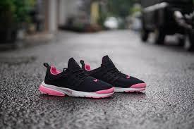 Sepatu Nike Elevenia sepatu olahraga wanita nike hitam pink kets etnik batik sekolah