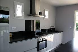 credence originale pour cuisine credence originale pour cuisine meubles laqués gris clair brillant